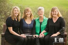 Mother with her adult children. Lovely pose.  Photography by Rikki-Lee Wrightson of Pregnant Memories