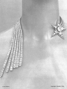 #Vintage #Chanel #Diamond #Comet (Comète) or #ShootingStar #StatementNecklace #Designed by #PatrickMauries for #CocoChanel #HauteJoaillerie #BijouxdeDiamants #Photographed by #RobertBresson #1932 - #VintageNecklace #VintageJewelry #Classic #Luxury #Jewelry #Necklace #DiamondsAreForever …. A #GirlsBestFriend  http://instagram.com/p/prRfXwATDf/