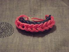 Rainbow Loom Bracelet por YarnfortheCause en Etsy, $3.00