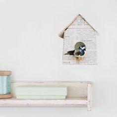 Vogelhuisje muursticker krantenpapier | Producten | Studio ditte