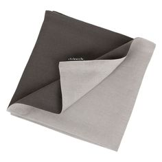 Redefine how you dress your table with this reversible napkin by Chilewich. Crafted from 100% linen this double-ply design features cement grey on one side and smoke grey on the other.