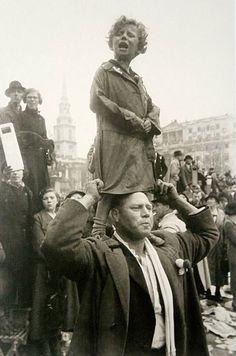 Couronnement de George VI, Trafalgar Square, Londres, Angleterre - 12 mai 1937  © Henri Cartier-Bresson / Magnum
