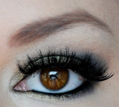Fabulous makeup tips from this lovely makeup artist...luv her blog!
