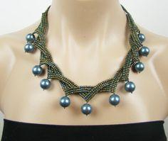 Artículos similares a Collar de perlas de semilla perla azul verde, pavo real boda de Dama de honor collar, collar de flecos perla, joyería de perlas de semilla, boutique 19:00 en Etsy