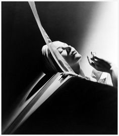 Lisa Fonssagrives by Horst P. Horst, 1940
