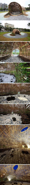 Structure en bambou à Taipei, Taiwan L'île de Taiwan est passée par les influences chinoises, japonaises et occidentales, sa capitale, Taipei, a vu son urb