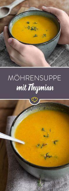 Diese cremige Suppe bringt mediterrane Aromen in deine Küche. Sie wird mit Gemüsebrühe zubereitet und mit Thymian und Knoblauch verfeinert.