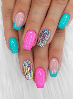 Beautiful Glittering Short Pink Nails Art Designs Idea For Summer And Spring - Lily Fashion Style - art - Fancy Nails, Cute Nails, Short Pink Nails, Pretty Short Nails, Hair And Nails, My Nails, Neon Nails, Nagel Bling, Nagel Hacks