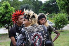 Meet the Burmese Punks Feeding Their Country's Homeless Punk Boy, Pop Punk, Estilo Punk Rock, Emo, Afro Punk Fashion, Crust Punk, Riot Grrrl, Beard Lover, Patriarchy
