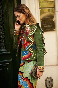 Fashion Week in Paris fall-winter 2017: street style.  Part 4 (18 photos)