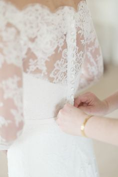 Lace detail on La Novia wedding #dress Photography: Craig & Eva Sanders Photography - craigevasanders.co.uk  Read More: http://www.stylemepretty.com/2014/09/03/completely-classic-scotland-estate-wedding/