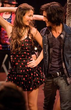 Lola & Julien Zodoriya ( Childs of Mehlise ) Victorious Tori, Victoria Justice Victorious, Avan Jogia, Tori And Beck, Beck Oliver, Tori Vega, Nickelodeon Girls, Marriage Couple, Jesse Metcalfe