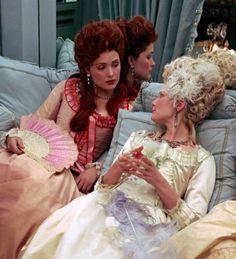 Rose Byrne as the Duchesse de Polignac and Kirsten Dunst as Queen Marie Antoinette in Marie Antoinette (2006)