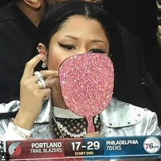 Image about love in nicki minaj 👩🏿🎤👑 by flor on We Heart It Nicki Minaj Barbie, Nicki Manaj, Nicki Minaj Pictures, Lab, Black Barbie, Brown Girl, Girls Makeup, Mood Pics, Reaction Pictures