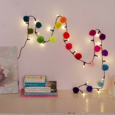 Decoration for carnival crafts, DIY craft ideas, carnival party decoration, carnival decorati . Carnival Party Decorations, Carnival Crafts, Pom Pom Crafts, Handmade Christmas Decorations, Childrens Party, Fairy Lights, Christmas Fun, Diy And Crafts, Creations