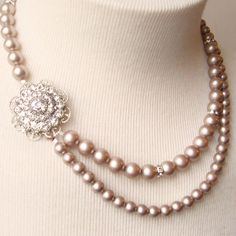 Vintage Style Wedding Jewelry Champagne Pearl by luxedeluxe Ruby Jewelry, Beaded Jewelry, Jewelery, Jewelry Art, Handmade Jewellery, Long Pearl Necklaces, Girls Necklaces, Bridesmaid Jewelry, Wedding Jewelry