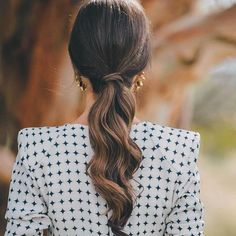 Easy Short Hair Updos That Will Take Eight Minutes or Less – HerHairdos Ponytail Hairstyles, Pretty Hairstyles, Wedding Hairstyles, Hairstyle Ideas, Party Hairstyle, 50s Hairstyles, Black Hairstyles, Bad Hair, Hair Day