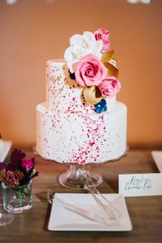 Art-inspired wedding cake // See more: http://theeld.com/1xQwCNe
