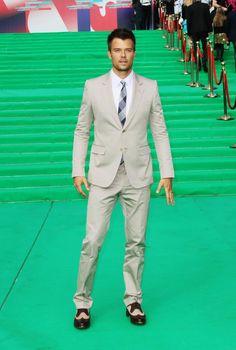 We hope Josh Duhamel and Fergie's new baby inherits its dad's impeccable #fashion sense!