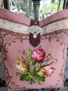 Vintage Rose Needlepoint Velvet Chenille Handbag by LadidaHandbags Pochette Diy, Vintage Rosen, Carpet Bag, Tapestry Bag, Handmade Purses, Boho Bags, Chenille, Vintage Handbags, Beautiful Bags