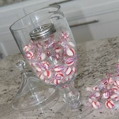 It's the Most Wonderful Time of the year! As you are Decorating, Baking and Storing away all those Christmas Memories check out this BIG list of Christmas Hacks to Simplify your life and Save you a little Money along the way! Christmas Hacks, Christmas Candy, Christmas Lights, Christmas Time, Christmas Decorations, Ribbon Organization, Set Cookie, Clear Glass Vases, Neat And Tidy