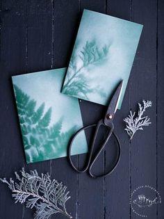 Vatsasekaisin Kilinkolin -ruokablogi: LUUKKU 7: ITSE TEHTY JOULUKORTTI Silver Christmas, Noel Christmas, Christmas Wrapping, Handmade Christmas, Christmas Crafts, Xmas Cards, Diy Cards, Hobbies And Crafts, Diy And Crafts