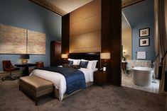 La suite Haywood http://www.vogue.fr/voyages/hot-spots/diaporama/le-rennaissance-st-pancras-reinvente-l-hotel-de-gare-en-version-ultra-luxe/20457/image/1083615#!st-pancras-rennaissance-la-suite-haywood