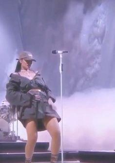 Rihanna House, Rihanna Baby, Rihanna Riri, Beyonce, Film Aesthetic, Bad Girl Aesthetic, Aesthetic Videos, Rihanna Outfits, Rihanna Photos