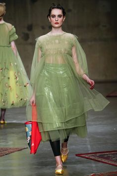 Molly Goddard Fall 2017 Ready-to-Wear Collection Photos - Vogue