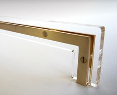 TRANSPARENCY HANDLE in acrylic and satin brass