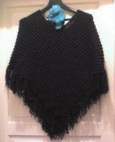Esse poncho eu fiz já algumas vezes, este em preto é o último que foi encomendado. Ele é fácil de fazer e fica muito legal no corpo. I made ...