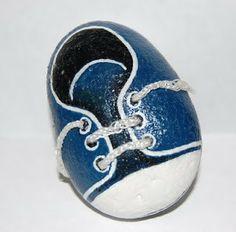zapatos pintados en piedras - Buscar con Google