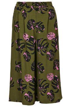 Palm Print Culottes by Topshop Mega Fashion, Daily Fashion, How To Wear Culottes, Culotte Shorts, Topshop Outfit, Topshop Clothing, Palm Print, Linen Shorts, Hot Pants