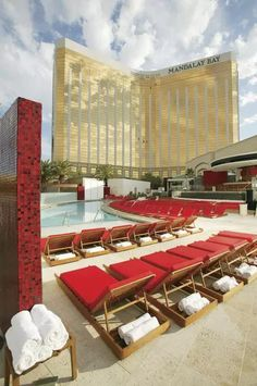 What to Do at the Mandalay Bay Hotel and Casino Las Vegas