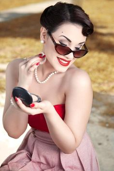 Style, Rockabilly & Pin-Up Rockabilly Pin Up, Rockabilly Fashion, Retro Fashion, Vintage Fashion, Vintage Glamour, Vintage Beauty, Pin Up Makeup, Retro Makeup, Vintage Makeup