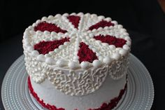 Click here for the recipe http://www.gretchensbakery.com/red-velvet-layer-cake/ Music Credit WALLPAPER / MINING BY MOONLIGHT / COMIN' ROUND THE MOUNTAIN by K...