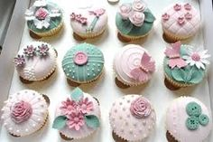 cupcakes decorating with edible fresh flowers - Google Search