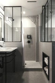 Pinterest : Emilie Thadey Downstairs Cloakroom, Corner Bathtub, Alcove, Ma Petite