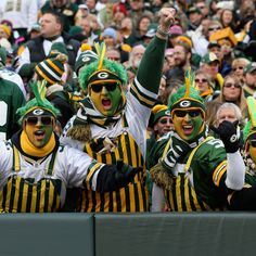 Attempting to name which team has the best fans in the NFL is no easy task, because every fan thinks his or her favorite team has the best fans. Packers Gear, Packers Baby, Go Packers, Packers Football, Football Memes, Football Season, Greenbay Packers, Football Stuff, Football Team