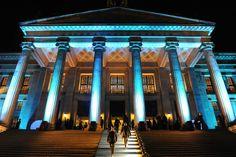 In blau getaucht: Das Berliner Konzerthaus 2013