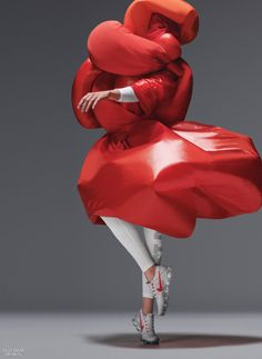 designers interpret NIKE AIR VaporMax through experimental costumes in movement The Best of shoes in - Fashion Women Shoes Store - Fashion Women Shoes Store Bold Fashion, Fashion Design, Fashion Women, Air Max Day, Slip On Sneakers, Ladies Sneakers, Nike Air Vapormax, Sneakers Fashion, Editorial Fashion