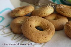 Taralli quattro uova ricetta antica Brownie Cookies, Bagel, Biscuits, Pasta, Bread, Desserts, Hobby, Brownies, Recipes