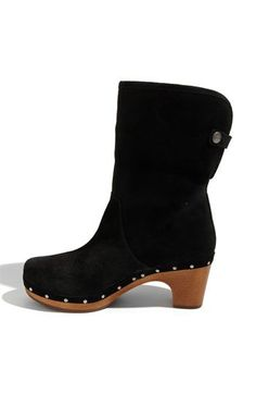 ugg boots knee high #cybermonday #deals #uggs #boots #female #uggaustralia #outfits #uggoutlet