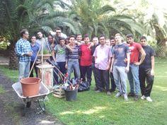 Salvatore Bonajuto, Alfio baudo e gli alunni dell'IPAA di Paternò 'Santo Asero', protagonisti dello stage di giardinaggio nell'azienda Trinità del dott. Bonajuto