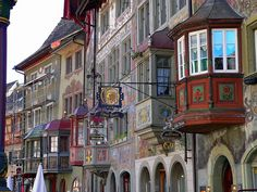 Frescoed buildings on the Town Hall Square in the picturesque Stein am Rhein, Switzerland (by eckiblue).