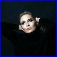 (Dorothy) Faye Dunaway (Born) January 14, 1941 - dunway.com