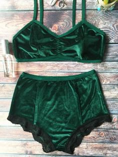 SHARE & Get it FREE | Lace Hem High Waisted Velvet Bra SetFor Fashion Lovers only:80,000+ Items • New Arrivals Daily Join Zaful: Get YOUR $50 NOW!