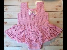 Crochet baby onesie pattern Ideas for 2019 Toddler Dress Patterns, Baby Patterns, Onesie Pattern, Crochet Baby Clothes, Crochet For Kids, Baby Knitting, Baby Dress, Knitted Hats, Baby Onesie