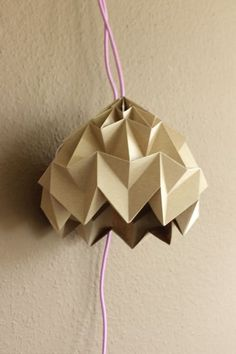 DIY: Magic Ball Origami Lampe falten // DIY: how to make an origami lamp via… Origami Ball, Origami Owl Easy, Useful Origami, Origami Stars, Origami Ideas, Origami Folding, Kirigami, Foam Crafts, Paper Crafts