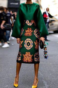 Summer Women Long Sleeve Printed Fashion Midi Plus Size Dress Hot Sale!Summer Women Long Sleeve Printed Fashion Midi Plus Size Dress - Unique Long Hairstyles Ideas African Fashion Dresses, African Dress, African Clothes, African Style, Mode Outfits, Fashion Outfits, Womens Fashion, Skirt Outfits, Green Fashion